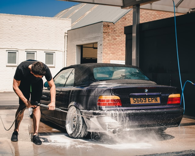 washing a car with high pressure